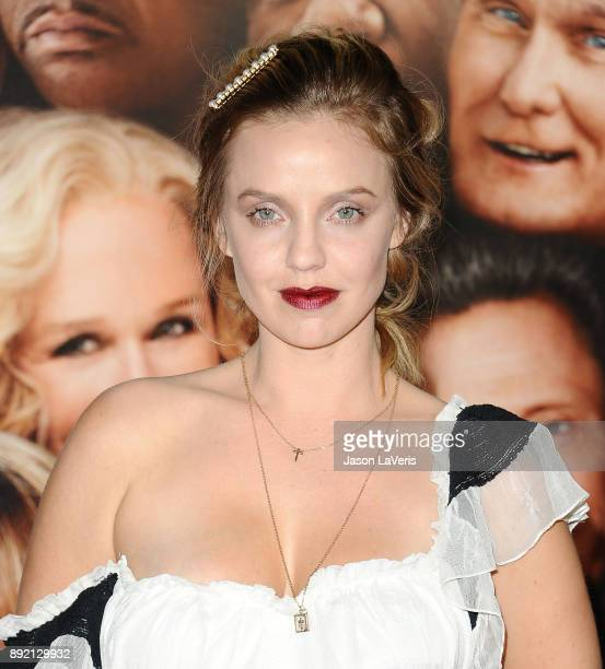 Actress Kelli Garner attends the premiere of 'Father Figures' at TCL Chinese Theatre on December 13 2017 in Hollywood California