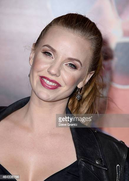Actress Kelli Garner Attends The Warner Bros Pictures Focus Premiere At Tcl Chinese