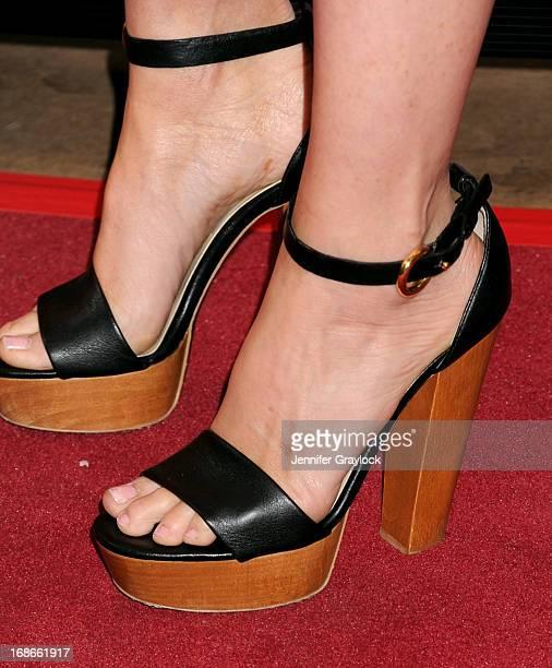kelli giddish feet