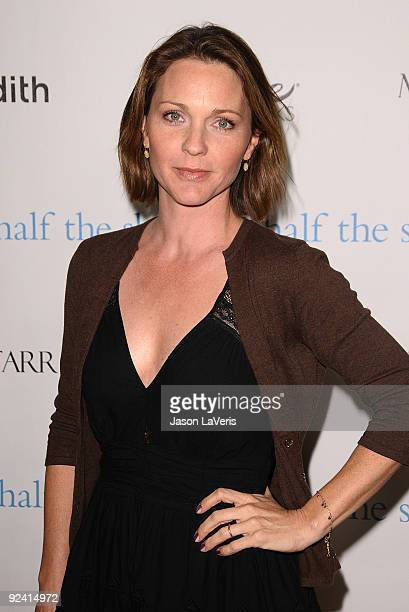 Actress Kelli Williams attends Hollywood Media's event honoring New York Times columnist Nicholas Kristof at Moura Starr on Melrose on October 27...