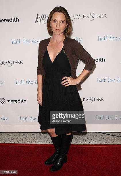 Actress Kelli Williams attends Hollywood Media's event honoring New York Times columnist Nicholas Kristof at Moura Starr on Melrose on October 27,...