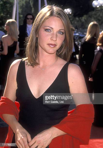 Actress Kelli Williams attends the 1999 Primetime Creative Arts Emmy Awards at Pasadena Civic Auditorium on August 28, 1999 in Pasadena, California.
