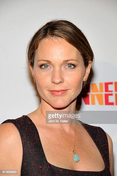 """Actress Kelli Williams attends the 2009 20th Anniversary Imagine Gala to honor the """"Everybody Loves Raymond"""" creator Philip Rosenthal and his family..."""