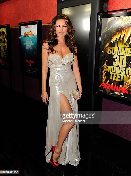 Actress Kelly Brook arrives at the premiere of The Weinstein Company's Piranha 3D at the Mann's Chinese 6 Theatre on August 18 2010 in Hollywood...