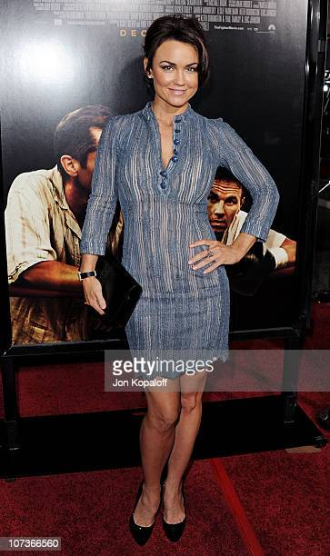 "Actress Kelly Carlson arrives at the Los Angeles Premiere ""The Fighter"" at Grauman's Chinese Theatre on December 6, 2010 in Hollywood, California."