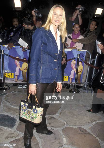Actress Kelly Lynch attends the 'Shallow Hal' Westwood Premiere on November 1, 2001 at Mann Village Theatre in Westwood, California.