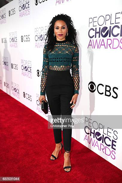 Actress Kelly McCreary attends the People's Choice Awards 2017 at Microsoft Theater on January 18 2017 in Los Angeles California