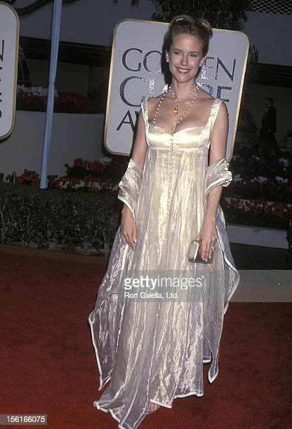 Actress Kelly Preston attends the 56th Annual Golden Globe Awards on January 24 1999 at Beverly Hilton Hotel in Beverly Hills California
