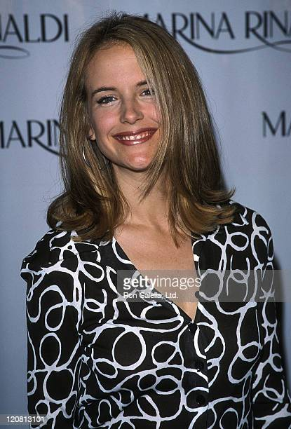 Actress Kelly Preston attends the 'Besieged' Los Angeles Premiere on May 10 1999 at the DGA Theatre in Los Angeles California