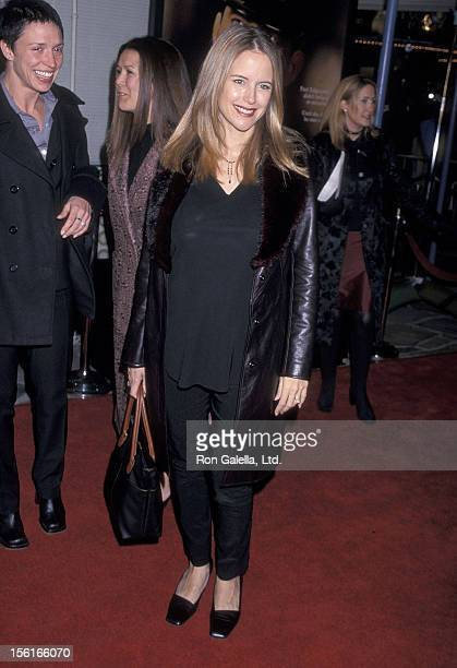 Actress Kelly Preston attends 'The Green Mile' Westwood Premiere on December 6 1999 at the Mann Village Theatre in Westwood California