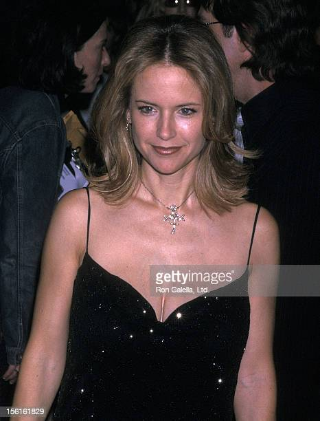 Actress Kelly Preston attends the 'Swordfish' New York City Premiere on May 11 2001 at the Ziegfeld Theater in New York City