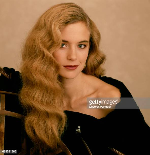 Actress Kelly Preston poses for a portrait in 1989 in New York CityLos Angeles California