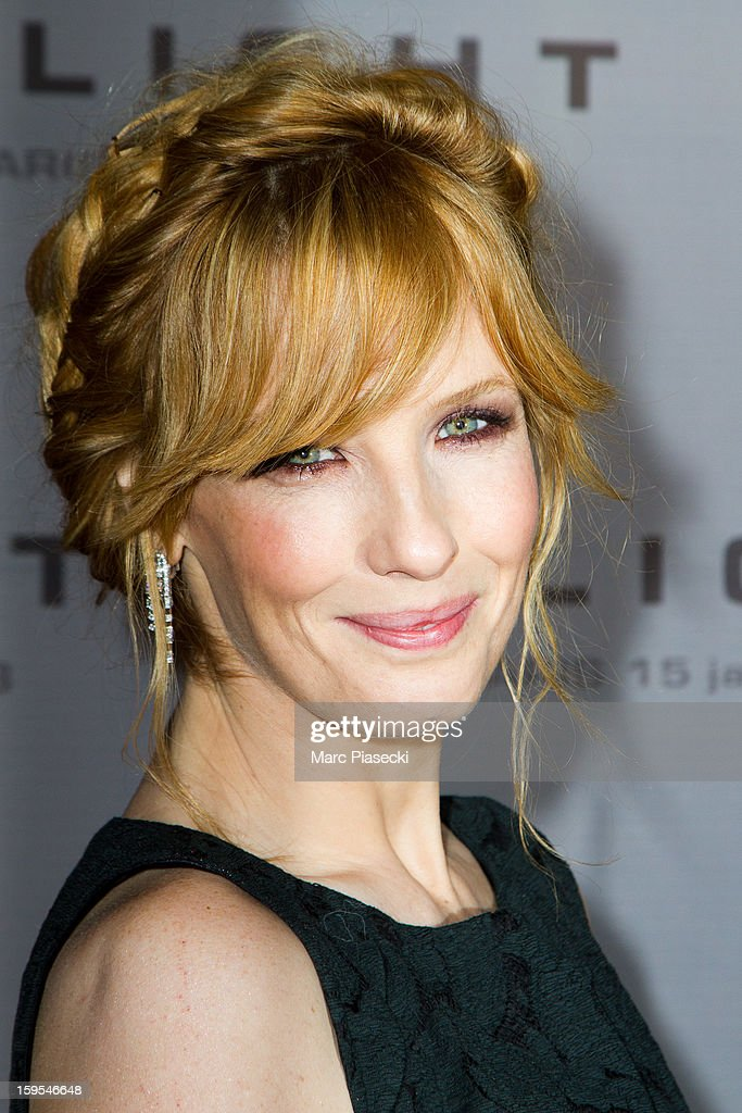 Actress Kelly Reilly attends the 'Flight' Paris Premiere at Cinema Gaumont Marignan on January 15, 2013 in Paris, France.
