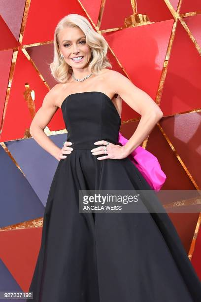 US actress Kelly Ripa arrives for the 90th Annual Academy Awards on March 4 in Hollywood California / AFP PHOTO / ANGELA WEISS