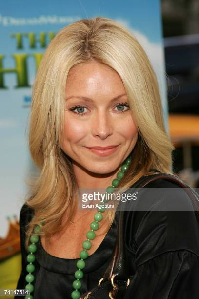 Actress Kelly Ripa attends the premiere of Shrek The Third at Clearview Chelsea West Cinemas May 14 2007 in New York City