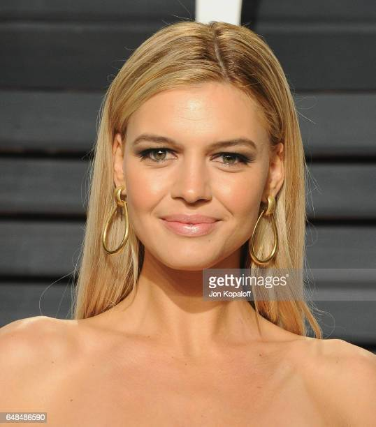 Actress Kelly Rohrbach arrives at the 2017 Vanity Fair Oscar Party Hosted By Graydon Carter at Wallis Annenberg Center for the Performing Arts on...