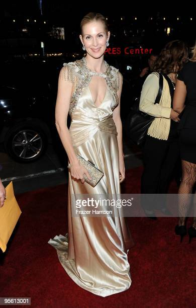 Actress Kelly Rutherford arrives at the People's Choice Awards 2010 held at Nokia Theatre LA Live on January 6 2010 in Los Angeles California