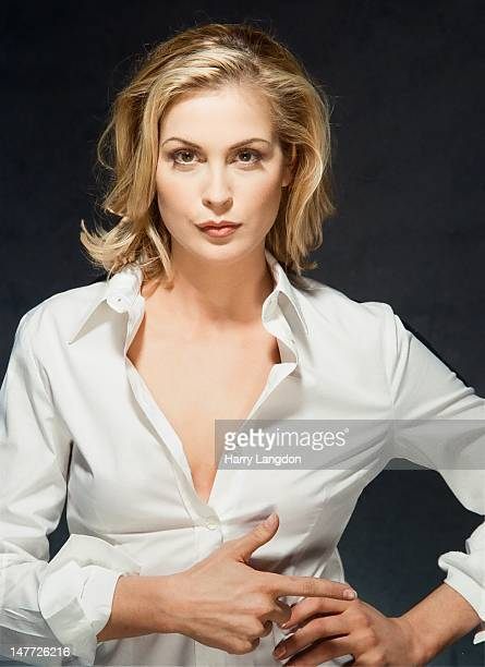Actress Kelly Rutherford poses for a portrait session in 2009 in Los Angeles California