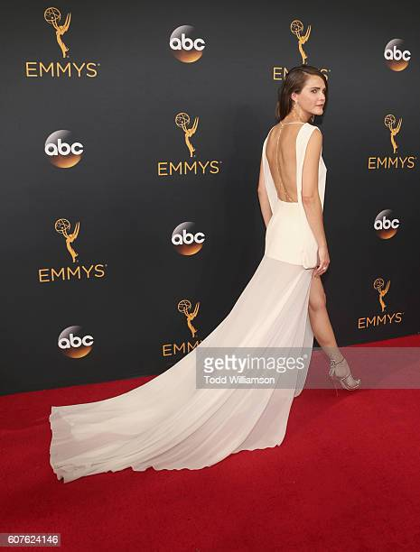 Actress Keri Russell attends the 68th Annual Primetime Emmy Awards at Microsoft Theater on September 18 2016 in Los Angeles California