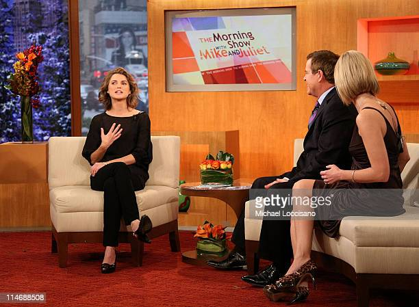 Actress Keri Russell talks with cohosts Mike Jerrick and Juliet Huddy on FOX's The Morning Show with Mike and Juliet at Fox Studios on December 16...