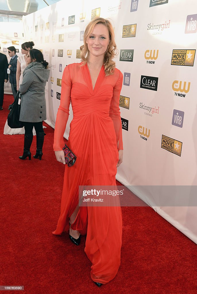 Actress Kerry Bishe attends the 18th Annual Critics' Choice Movie Awards at Barker Hangar on January 10, 2013 in Santa Monica, California.