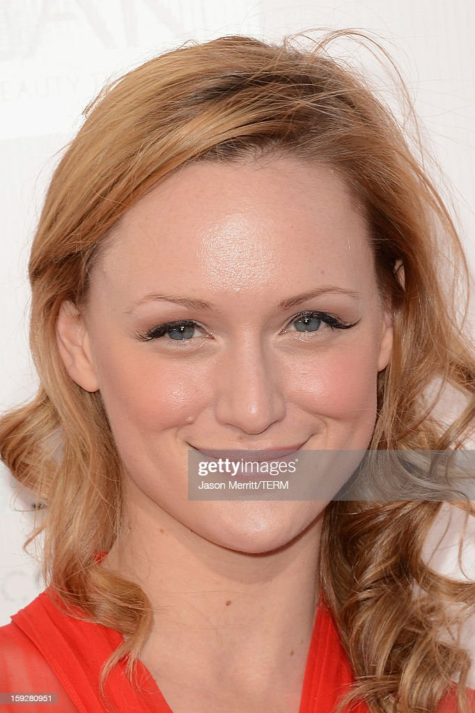 Actress Kerry Bishe attends the 18th Annual Critics' Choice Movie Awards held at Barker Hangar on January 10, 2013 in Santa Monica, California.