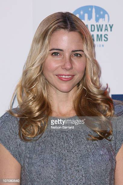 Actress Kerry Butler attends the 2nd annual Broadway Dreams Foundation's holiday benefit concert at New World Stages on November 22 2010 in New York...