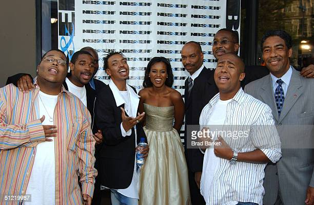 Actress Kerry Washington and RB group Foot Steps arrives at the National Black Sports and Entertainment Hall of Fame at Aaron Davis Hall on August 25...