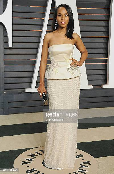 Actress Kerry Washington arrives at the 2015 Vanity Fair Oscar Party Hosted By Graydon Carter at Wallis Annenberg Center for the Performing Arts on...