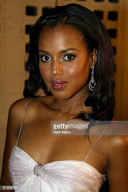 Actress Kerry Washington arrives at the Universal Pictures Premiere of 'Ray' at the Cinerama Dome on October 19 2004 in Hollywood California