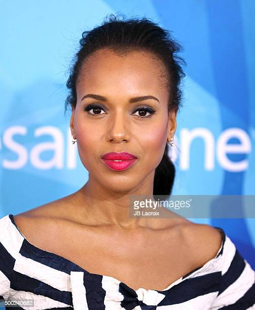 Actress Kerry Washington attends the WWD And Variety inaugural stylemakers' event at Smashbox Studios on November 19 2015 in Culver City California