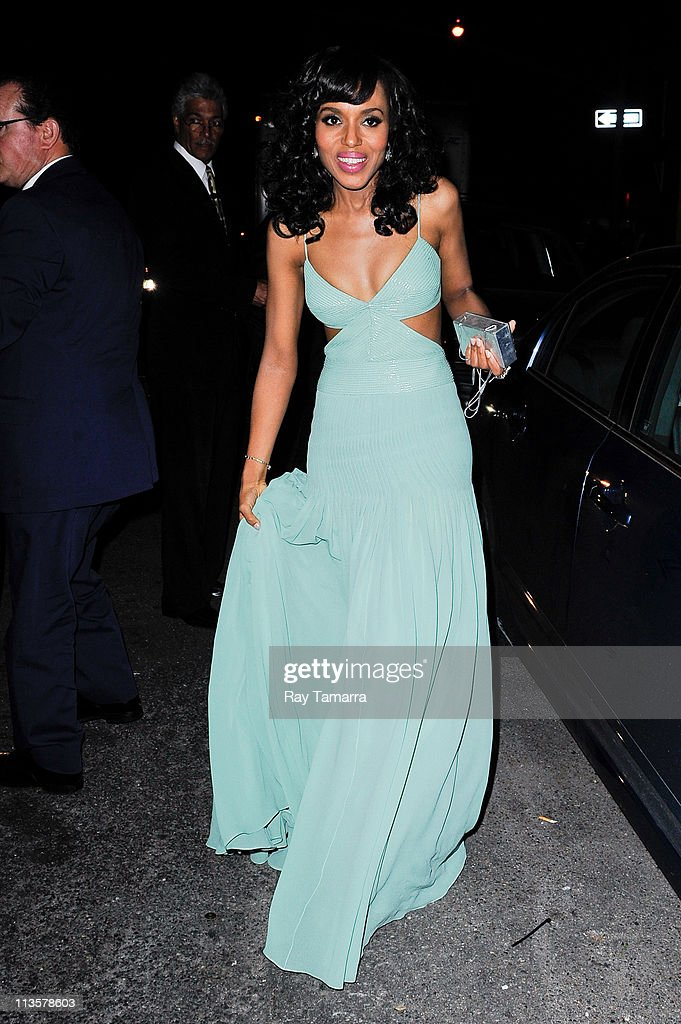 Actress Kerry Washington enters the Crown Restaurant on May 2, 2011 in New York City.