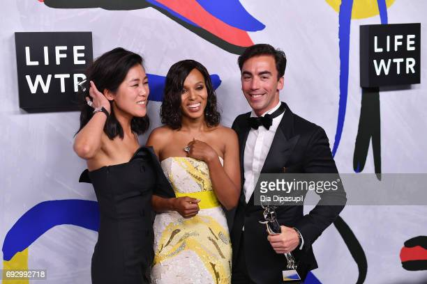 Actress Kerry Washington poses with Swarovski Award for Emerging Talent Winners Laura Kim and Fernando Garcia for Monse on the LIFEWTR Winner's Walk...