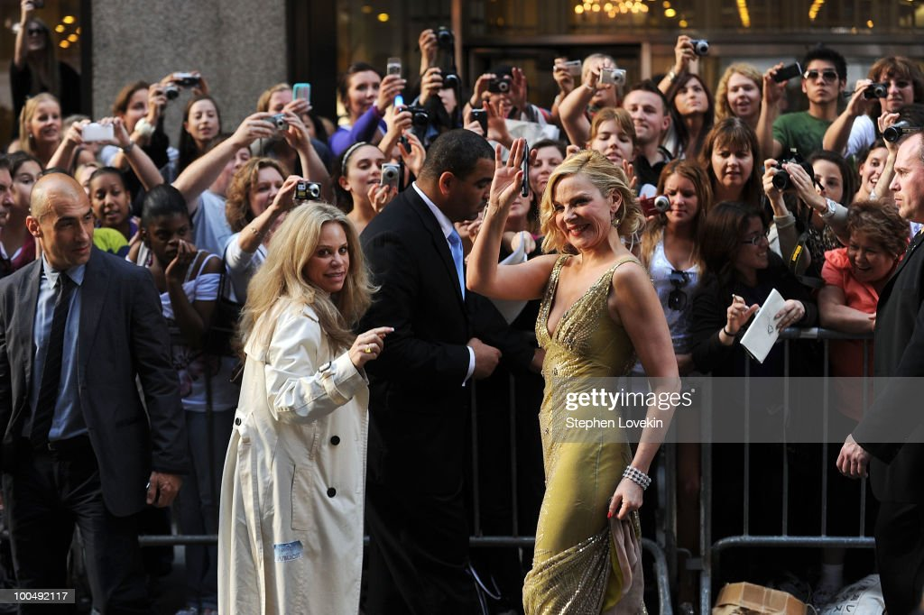 Actress Kim Cattrall attends the premiere of 'Sex and the City 2' at Radio City Music Hall on May 24, 2010 in New York City.