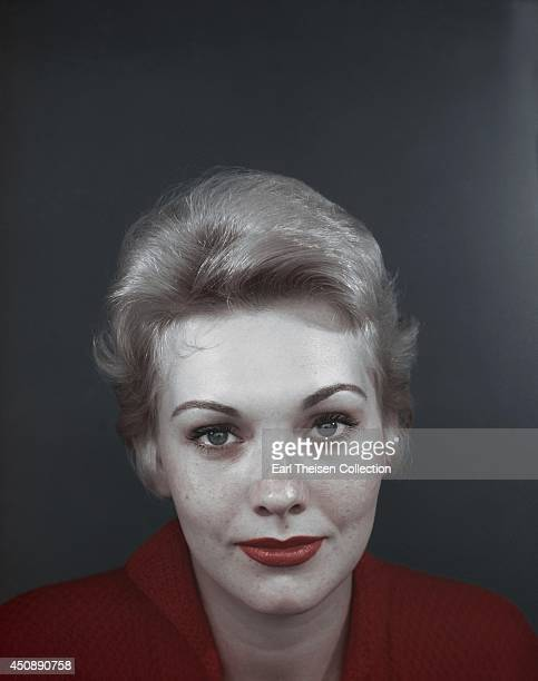 Actress Kim Novak poses for a portrait circa 1955 in Los Angeles California