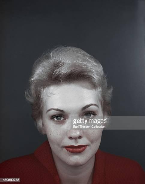Actress Kim Novak poses for a portrait circa 1955 in Los Angeles, California.