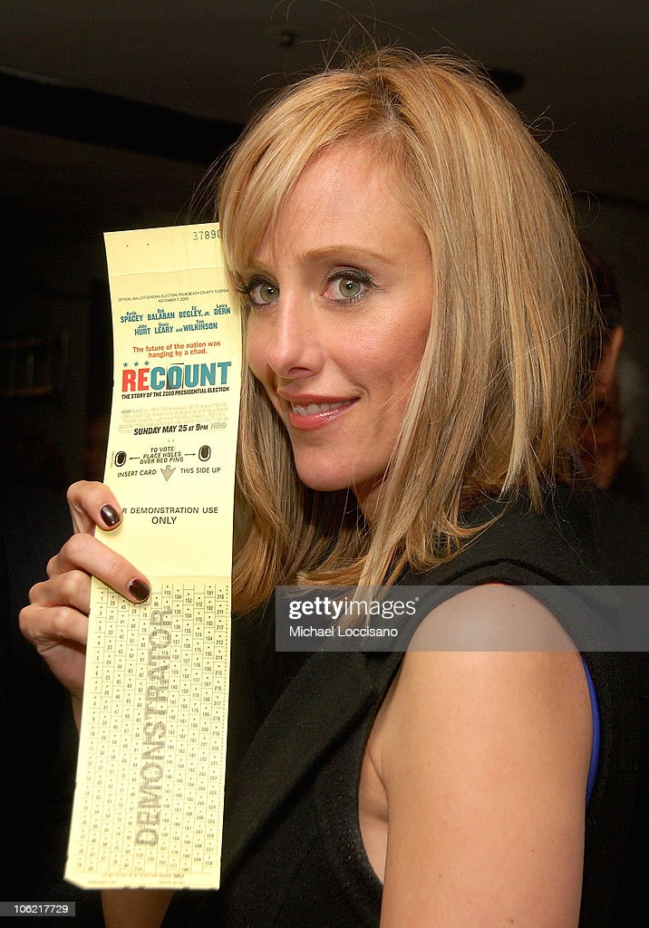 Actress Kim Raver casts a ballot at the after party for the New York premiere of HBO Films' 'Recount', at The Four Seasons Restaurant in New York City on May 13, 2008.