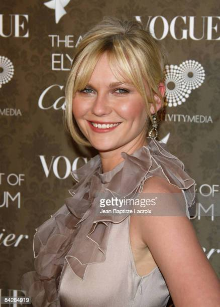 Actress Kirsten Dunst arrives at the Art of Elysium 2nd Annual Heaven Gala held at Vibiana on January 10, 2009 in Los Angeles, California.