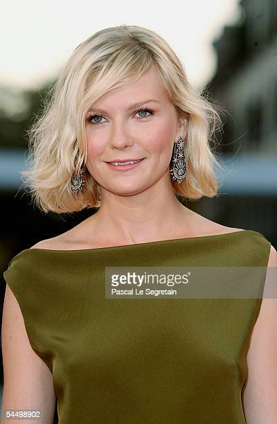Actress Kirsten Dunst arrives at the Premiere for out of competition film Elizabethtown at the Palazzo del Cinema as part of the 62nd Venice Film...