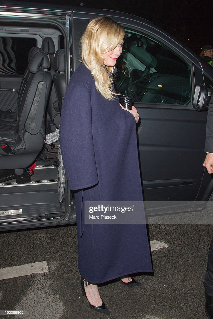 Actress Kirsten Dunst arrives to attend the 'Saint Laurent' Fall/Winter 2013 Ready-to-Wear show as part of Paris Fashion Week on March 4, 2013 in Paris, France.