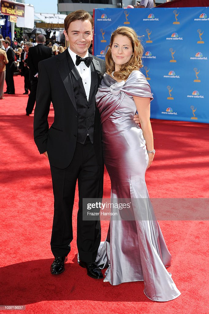 Actress Kirsten Lea (R) arrives at the 62nd Annual Primetime Emmy Awards held at the Nokia Theatre L.A. Live on August 29, 2010 in Los Angeles, California.