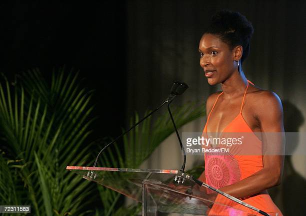 Actress Kissy Simmons speaks at the Kagenoorg benefit at Guastavino's October 30 2006 in New York City