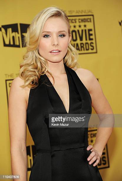 Actress Kristen Bell arrives at the 15th annual Critic's Choice Movie Awards held at the Hollywood Palladium on January 15 2010 in Hollywood...