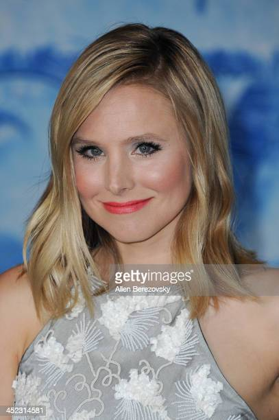 Actress Kristen Bell arrives at the Los Angeles premiere of Disney's 'Frozen' at the El Capitan Theatre on November 19 2013 in Hollywood California