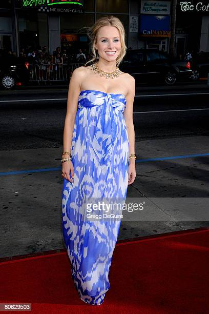 Actress Kristen Bell arrives at Universal Pictures' World Premiere of Forgetting Sarah Marshall on April 10 2008 at Grauman's Chinese Theater in...