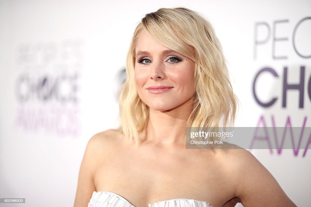Actress Kristen Bell attends the People's Choice Awards 2017 at Microsoft Theater on January 18, 2017 in Los Angeles, California.
