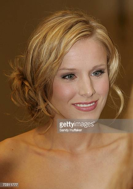 Actress Kristen Bell from Vernica Mars attends the US Grant Hotel Debut October 30 2006 in San Diego California