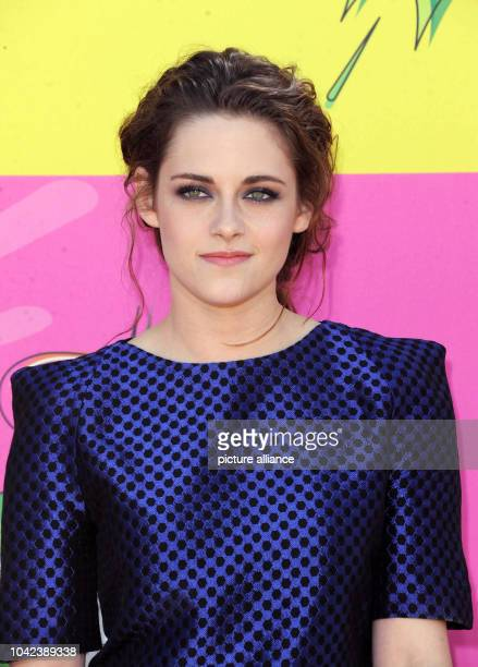 US actress Kristen Stewart arrives at Nickelodeon's 26th Annual Kids' Choice Awards at USC Galen Center in Los Angeles USA on 23 March 2013 Photo...
