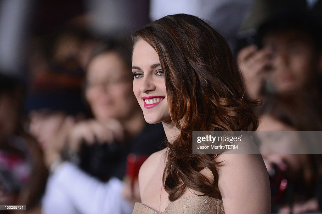 Actress Kristen Stewart arrives at the premiere of Summit Entertainment's 'The Twilight Saga: Breaking Dawn - Part 2' at Nokia Theatre L.A. Live on November 12, 2012 in Los Angeles, California.