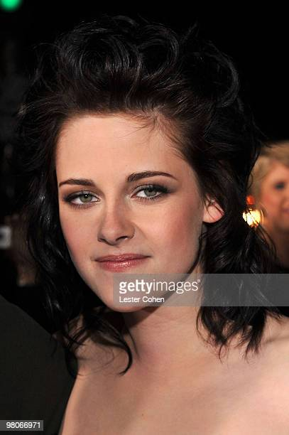 Actress Kristen Stewart arrives at the premiere of Summit Entertainment's 'The Twilight Saga New Moon' on November 16 2009 in Westwood California